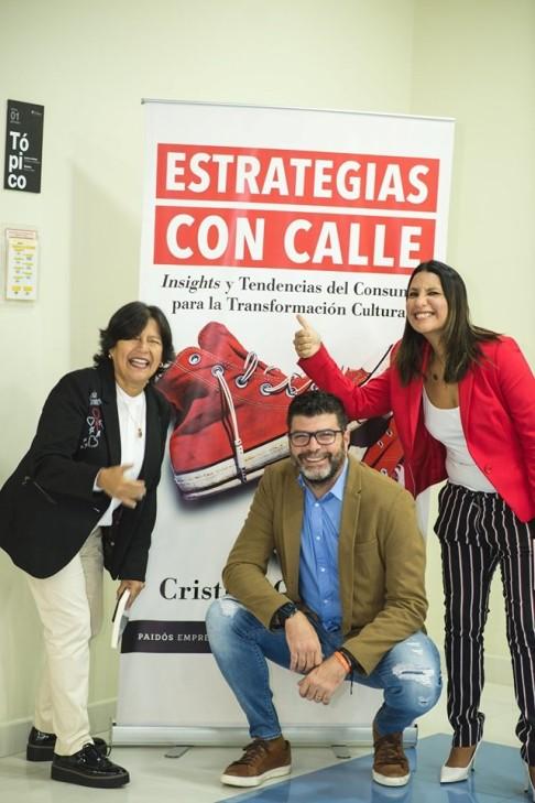 cristina-quinones-libro-insights-marketerospe-marketeros-peru-blog-marketing-blogger-mercadol.jpg