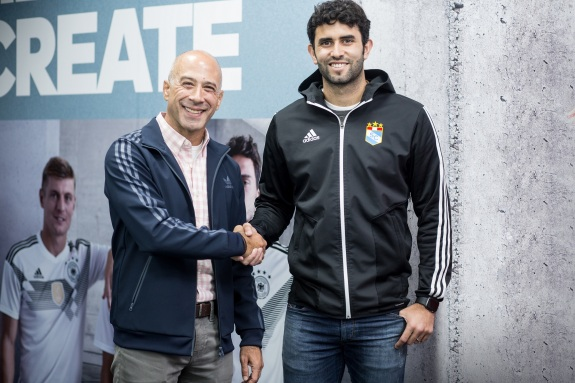 adidas-sporting-cristal-partners-sponsor-marketerospe-marketeros-peru-blog-marketing-blogger-mercadologos-peruanos-carlos-mellado-g-cmelladog-2.JPG